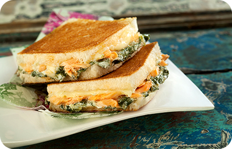 Sanduiche de Creme de Espinafre Mussarela e Salmão